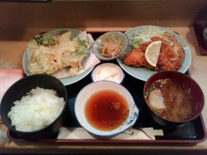 荻窪 「ゆず」の定食「チキンかつ、野菜かき揚げ天ぷら」