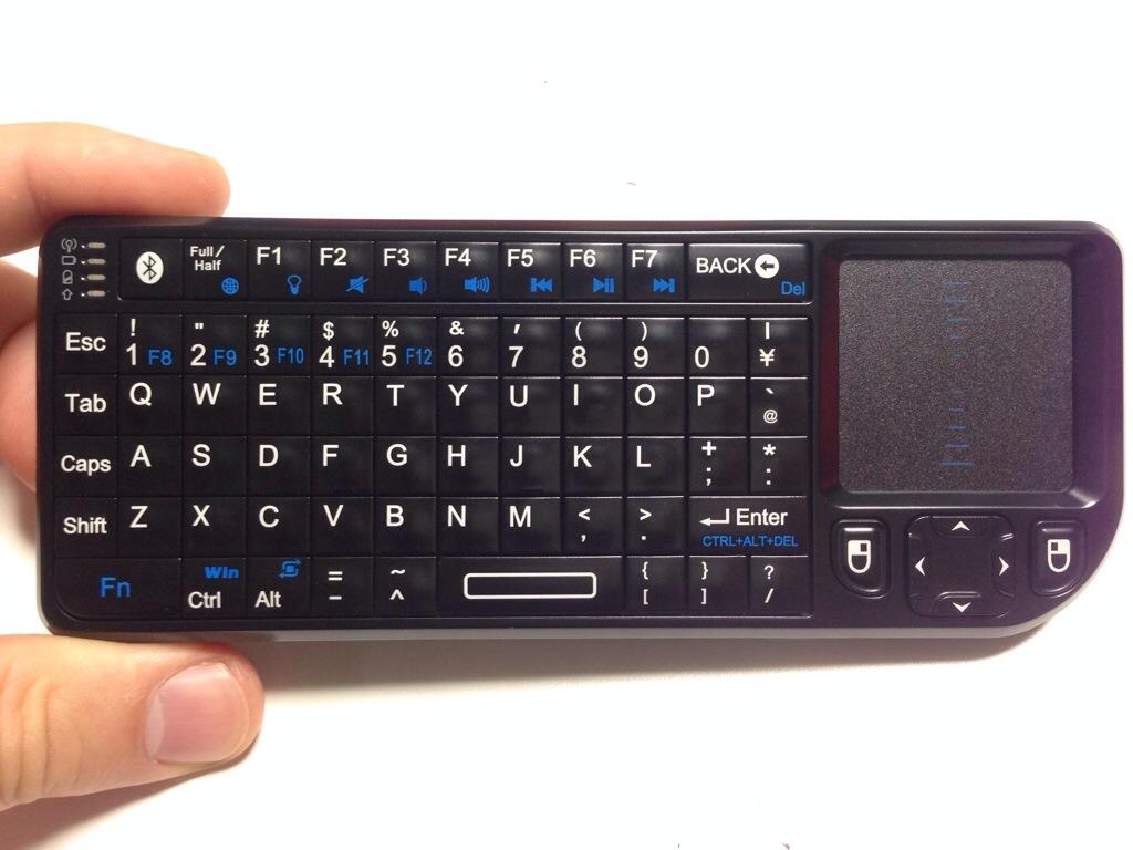 お買い物♪ Bluetooth 接続で超小型のタッチパッド(スライドパッド)付きキーボード Riitek Rii mini Bluetooth keybord RT-MWK02