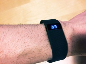 Fitbit Charge HRを腕に装着