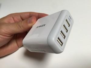 Anker PowerPort 4 USBコネクタ