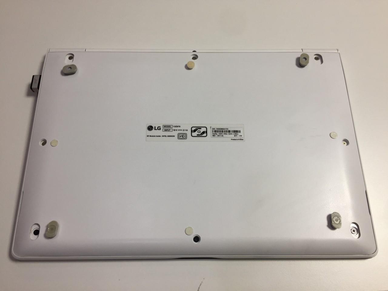 LG gram 13Z970 底面パネル