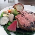 メイン:黒豚肩ロース肉のロースト タプナードソース(黒オリーブソース)