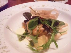 鮮魚(今日はブリ)・海老・帆立貝柱のソテー クリームソース